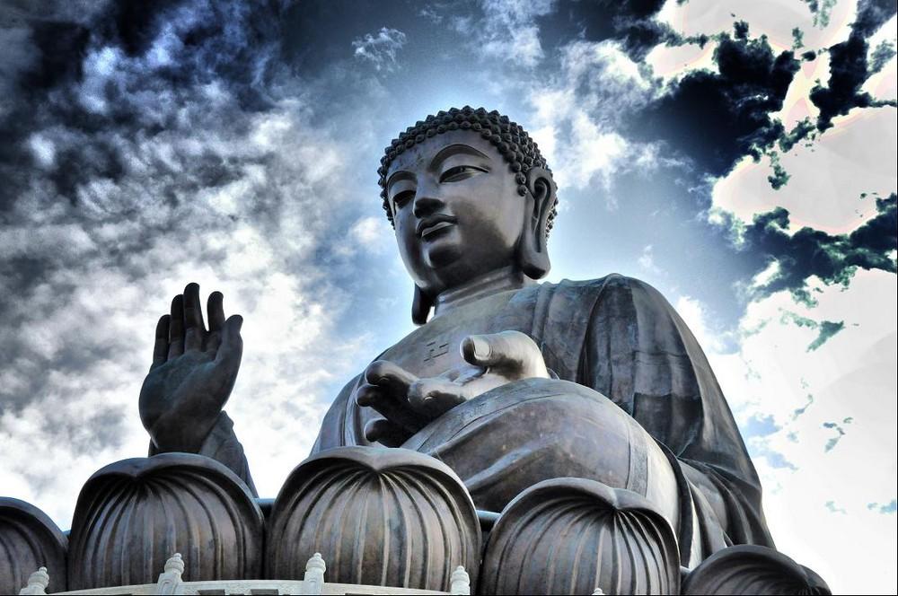 Lantau-Giant-Buddha-a18411744