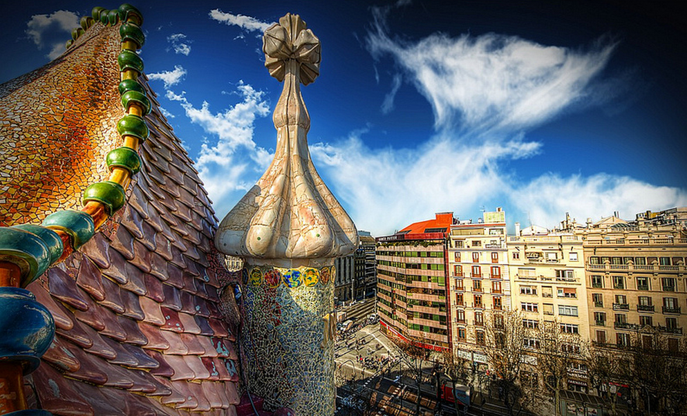 casa battlo rooftop with view