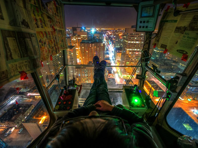 crane-operators-view-night-time-toronto-rooftopping