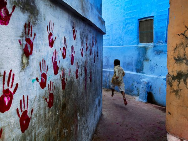 steve-mccurry-wall_4082_600x450