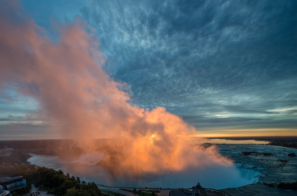 morning sun over niagra falls